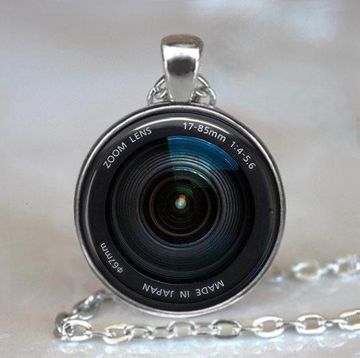 camera-lens-necklace